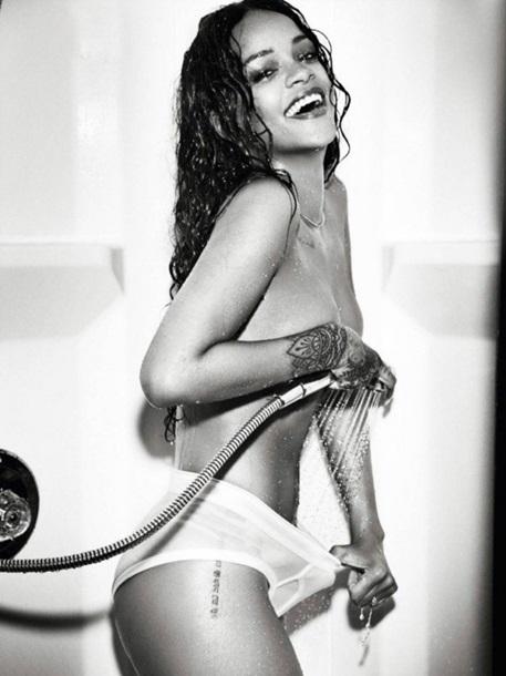 Рианна в декабрьской фотосессии Esquire
